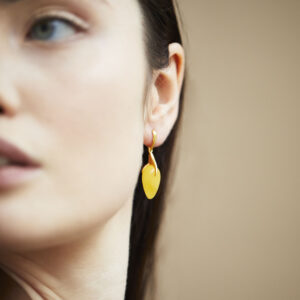 Long studs gold plated with milky amber